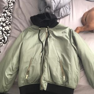 Green thick Forever 21 fashion puffer jacket
